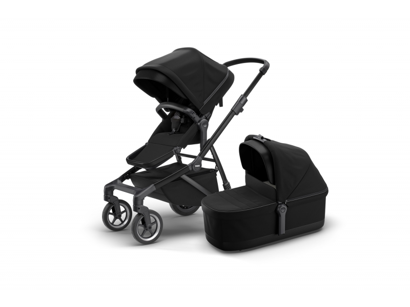 Thule Sleek + Bassinet Black on Black